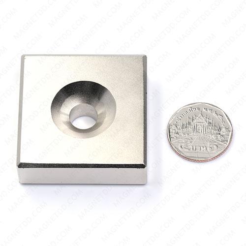แม่เหล็กแรงสูง Neodymium ขนาด 46mm x 46mm x 16mm รู 10mm แม่เหล็กถาวรนีโอไดเมี่ยม NdFeB (Neodymium)