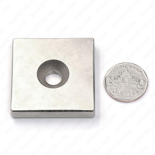 แม่เหล็กแรงสูง Neodymium ขนาด 45mm x 45mm x 9mm รู 10mm แม่เหล็กถาวรนีโอไดเมี่ยม NdFeB (Neodymium)
